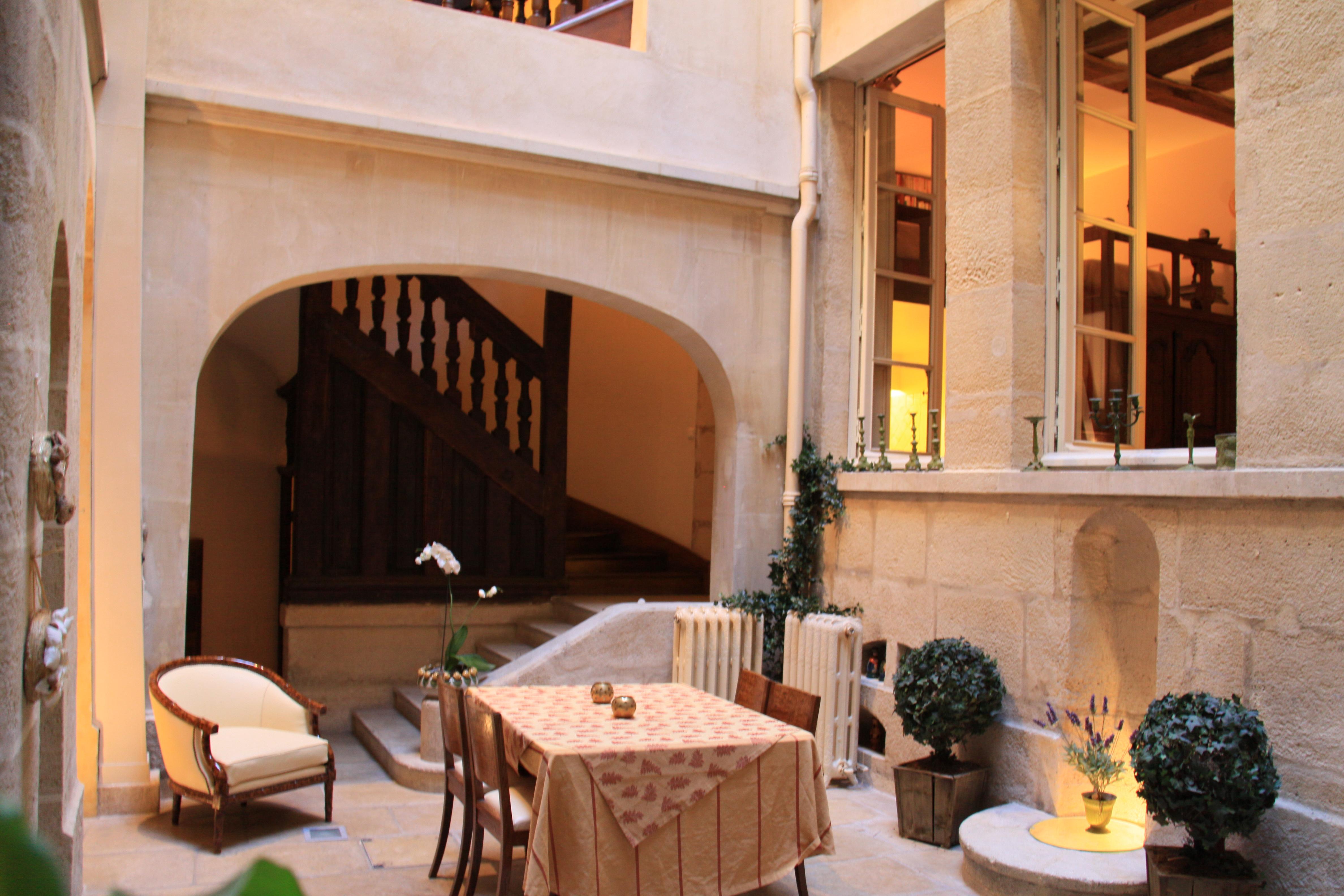 Maison Du0027Anne U2013 Paris Historic Bed U0026 Breakfast U2013 Live A Few Blocks ...